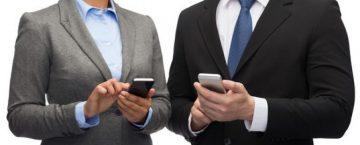 法人携帯と個人携帯の違い、それぞれのメリット・デメリットとは?