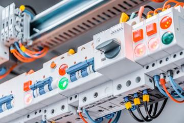 配電盤の写真│200Vに変更する電気工事は意外と簡単!