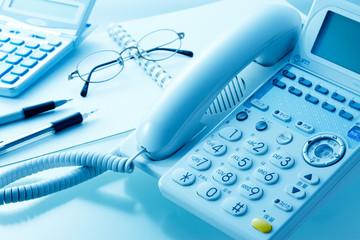 電話回線からネット環境に接続するにはなにが必要となるのかをご紹介します。