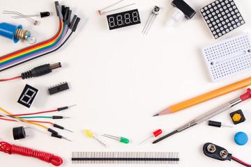 機能性やデザインなど、おススメのLAN配線ボックスのメーカーをご紹介します。