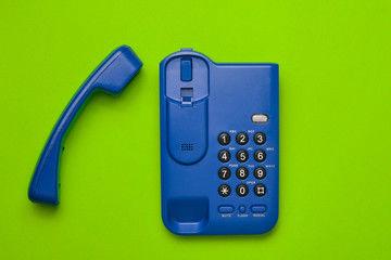 ビジネスフォン電話機の設置法(平置き、壁掛け、コードレス)