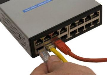 ビジネスフォンのVoIPゲートウェイとは?拠点間利用で通信コスト削減!